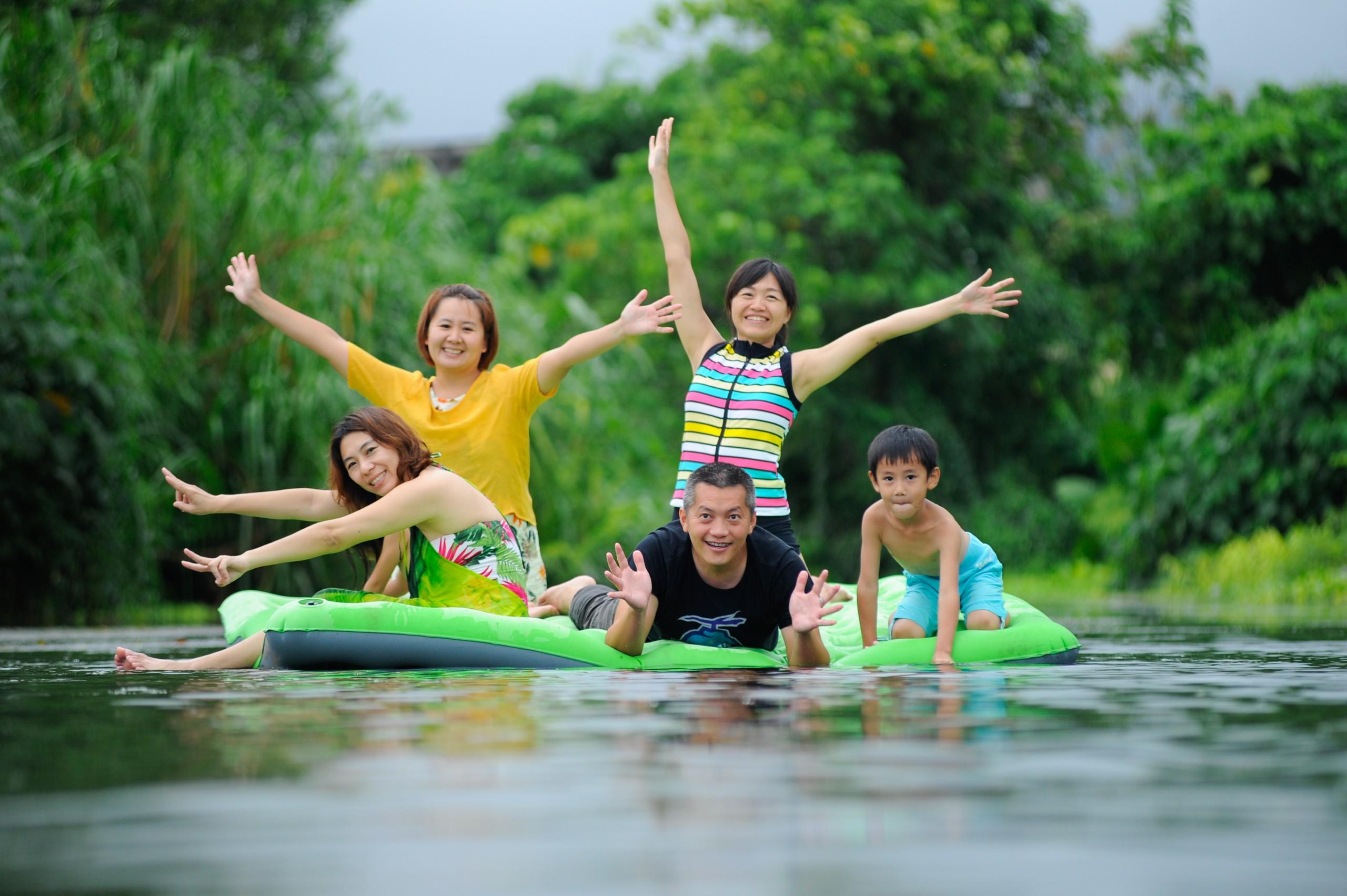 德築-DEZU-project-Fun3sport-inflatable-bed-lake-8