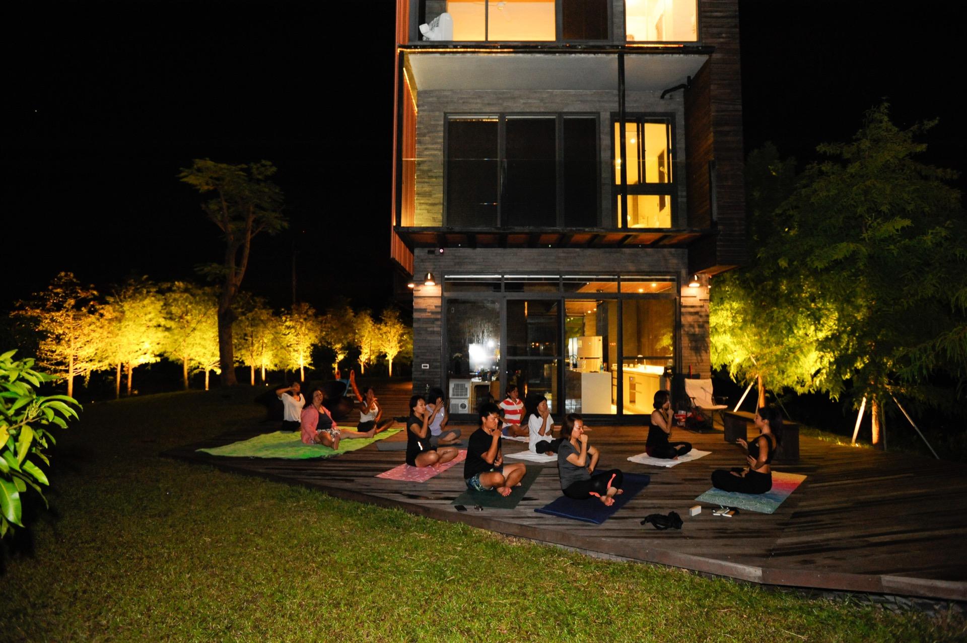 德築-DEZU-project-Fun3sport-night-yoga-5
